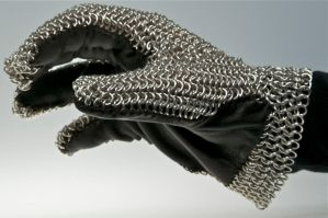 Chain-mail Glove, alternate by caerul
