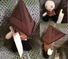 Pyramid Head plushie by desederas