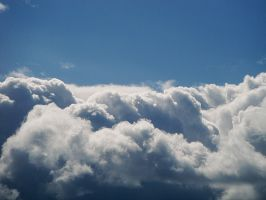 fluffy puffy clouds by mysteriousfantasy