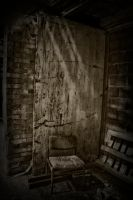 Abandoned Chair by suolasPhotography