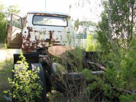 Rusted Truck 1 by Altaria13-Stock