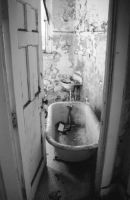 creepy bathroom by PhotoBoothLoveXx