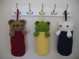 Amigurumi Plastic Bag Holders by djonesgirlz