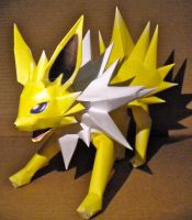 Jolteon by jewzeepapercraft
