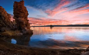 Tufa Sunrise by MattGranzPhotography