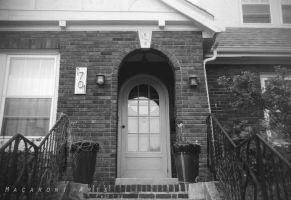 Rounded front door by thebreat