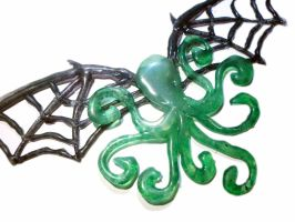 Cthulhu Necklace! by glo0bule