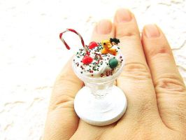 Christmas Candy Cane Ring by souzoucreations