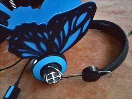 Blue ButterflyHeadphones by xXSuperPopXx