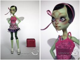 MH CAM Gorgon OOAK doll repaint 2 by kamarza