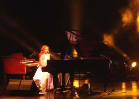 Tori Amos by crepsucule