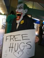 Hugs for the Joker? by MakexYouxFadexDizzy