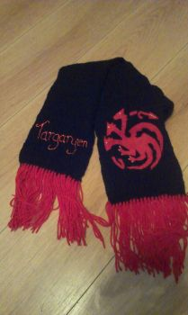 Targaryen Scarf by themagpiesnest