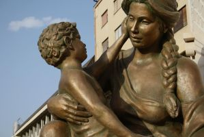 sculpture mother with child by dardaniM
