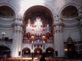 the organ with 700 flutes by purpLesBLACK