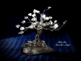 Galadh Quartz gemstone tree by Gwillieth