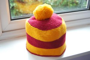 Griffindor Hat by GhostlyBlue