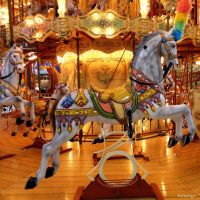 Carrousel en Lumiere I by hyneige