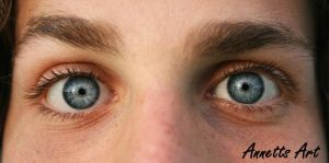 Iced eyes by aNNeTTs