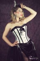 White burlesque corset by Contreedessonges