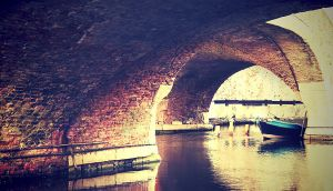 Under the bridge by alexdada