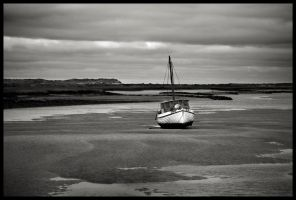 Waiting for the Tide by grimleyfiendish