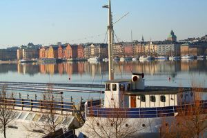 Water Reflections in Stockholm by kingmancheng