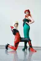 Harley and Ivy by dangerousladies