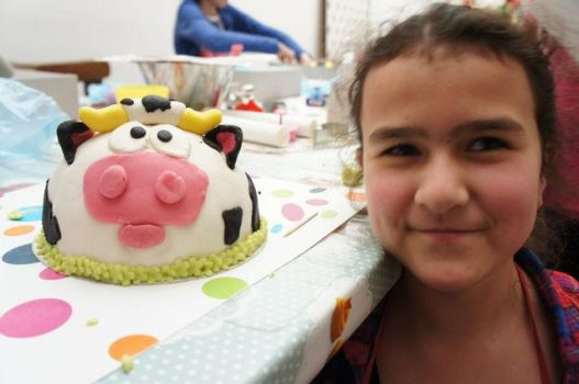 me and my cow cake by Vlootjecadootje