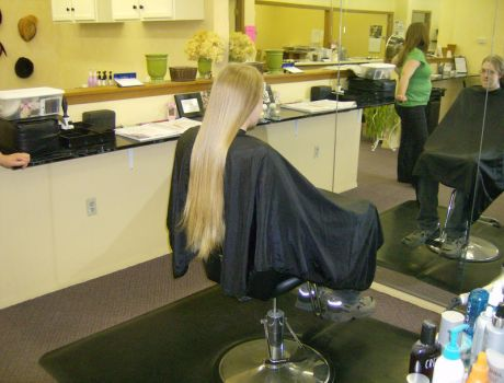 My long flowing hair by amiolas