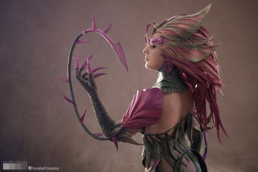 Zyra Cosplay by IssabelCosplay