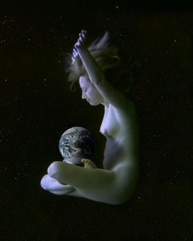 Earth Mother by alberich