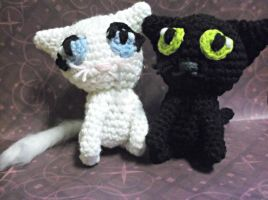 Cat couple amigurumi by ShadowOrder7