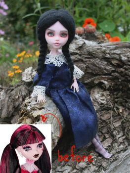 Monster HIgh Draculaura repaint by sassynails