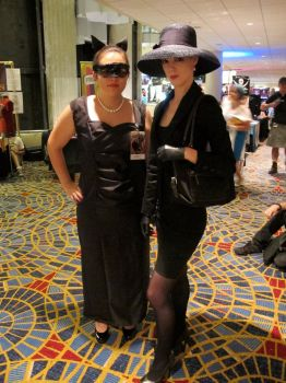 Catwoman DKR cosplay (left) by Drantis