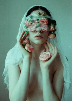 The Suffering by laura-makabresku