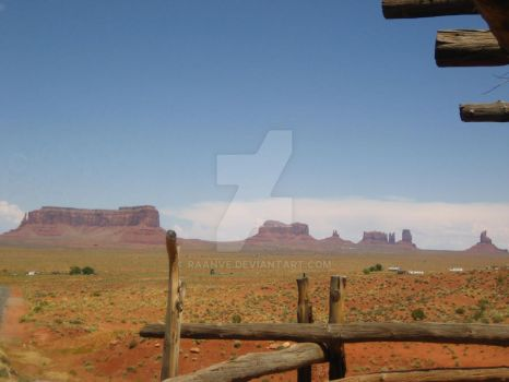 Monument Valley by raanve