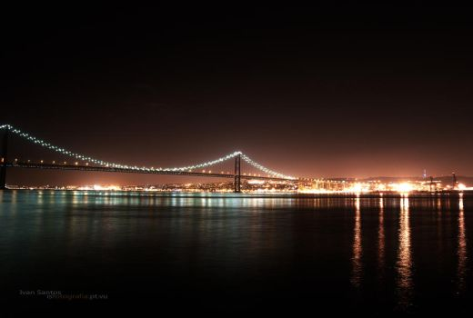 Tejo at Night by dgangj