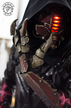 Red Tremor - Cyberpunk mask and claw gauntlets by TwoHornsUnited