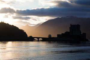 Sunrise on Eilean Donan by daguerreoty-pe
