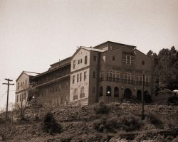 Jerome Grand Hotel by moonandsun