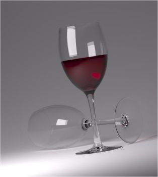 A Glass of red wine by fram1963