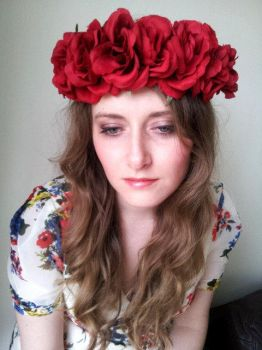 Amor - Floral Rose Crown by paradiseshoretwins