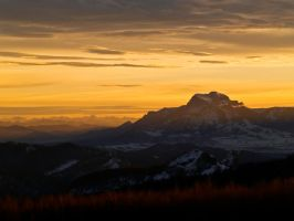 The lonely mountain by Stilllife-Txa