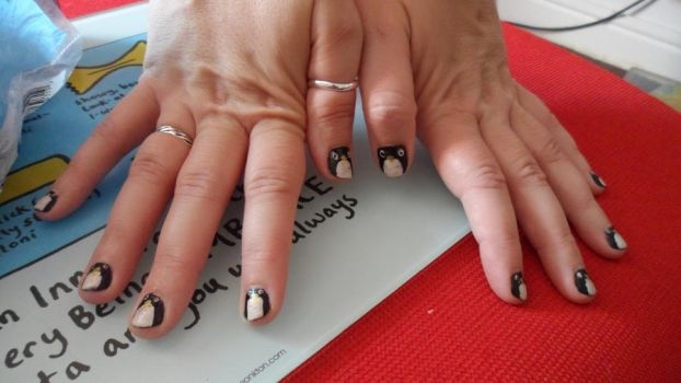 Penguin Nails by Cooldawg