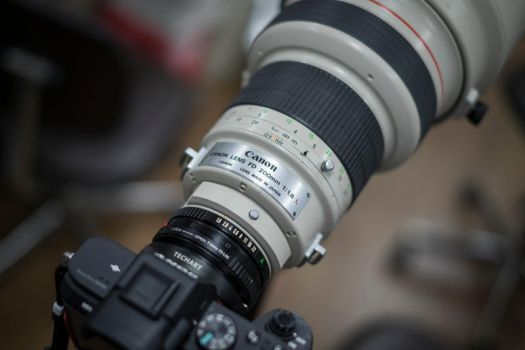 Canon FD 200mm f/1.8 L by Dr-F0x