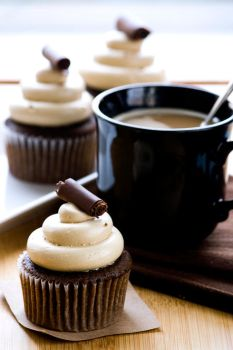 Mocha Cupcakes by bittykate